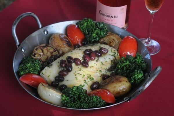 O bacalhau piu piu é uma das sugestões do restaurante Bartolomeu (Antonio Cunha/CB/D.A Press)