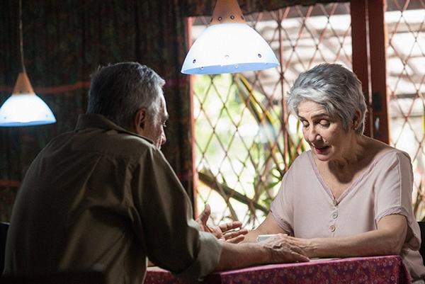 A comédia romântica 'Amores de chumbo' narra um triângulo amoroso (Reprodução/Internet)