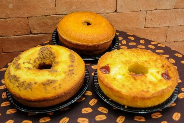 Os bolos de fubá, milho e mandioca do Bolos do Flávio combinam bem com essa época do ano (Barbara Cabral/Esp. CB/D.A Press)