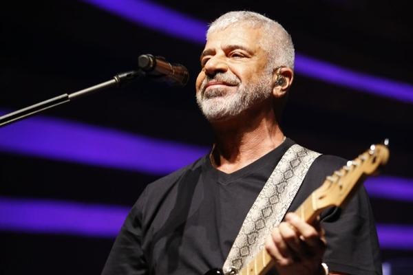 Lulu Santos diz que o repertório varia de acordo com 'a onda do dia', como diz o cantor (Leo Aversa/Divulgação )