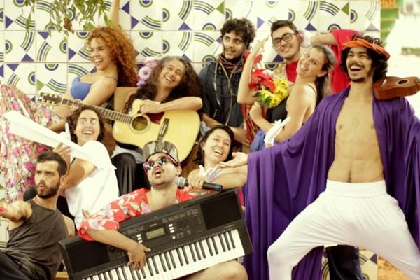 Elenco de 'Viagens de Caetana' atua e canta em cena (Arquivo Pessoal/Divulgação)