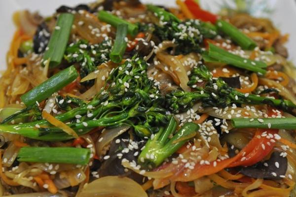 O macarrão é um importante ingrediente na gastronomia coreana, e está presente no prato tchap tche (Minervino Junior/CB/D.A Press)