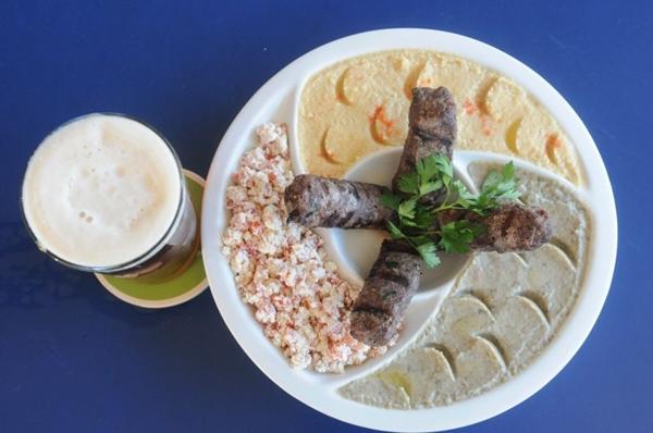O mix árabe do Resenha fica perfeito com um chope gelado ( Antonio Cunha/CB/D.A. Press )