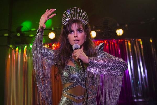 'Samantha!' acompanha a vida adulta e pós-fama de uma estrela mirim dos anos 1980 ( Fabio Braga/Netflix)