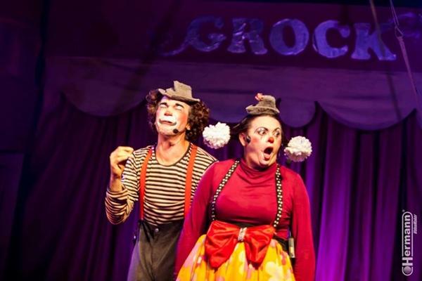Os palhaços divertem e levam à reflexão em espetáculo do Circo Grock (Hermann/Divulgação)