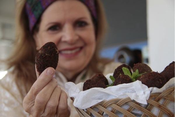 Os quibes da Dona Yolanda são uma homenagem à avó de Dulcinéa Cassis, proprietária do local (Ana Rayssa/Esp.CB/D.A Press. )