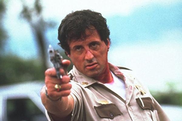 Sylvester Stallone em cena de filme Cop Land (Internet/Reprodução)