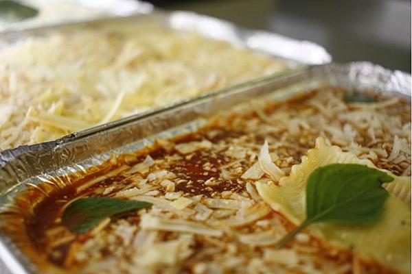 A Toscanello funciona no estilo rotisseria: as massas são preparadas para esquentar e comer em casa (Ana Rayssa/Esp. CB/D.A Press)