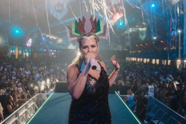 Adriana Samartini celebra aniversário na Shed Western Bar (Bruno Pimentel/Divulgação)