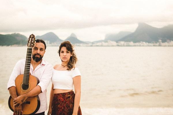 O duo Vieira é a atração deste sábado (11), no Teatro Sesc Sílvio Barbato (Helena March/Divulgação)
