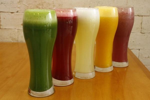 Alternativas de suco fartas e variadas oferecidas no TNT Fit Food (Ana Rayssa/Esp. CB/D.A Press)