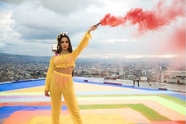 Anitta fará show com mistura de pop e funk Na Praia (Felipe Loaiza/Divulgação)