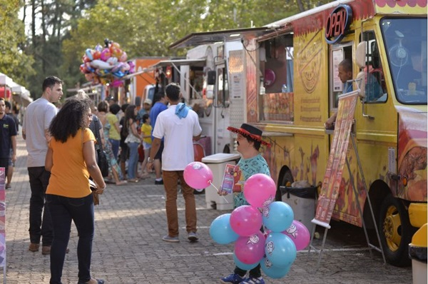 Fim de semana de fazer piquenique no Food Truck Day (Marcelo Ferreira/CB/D.A Press)