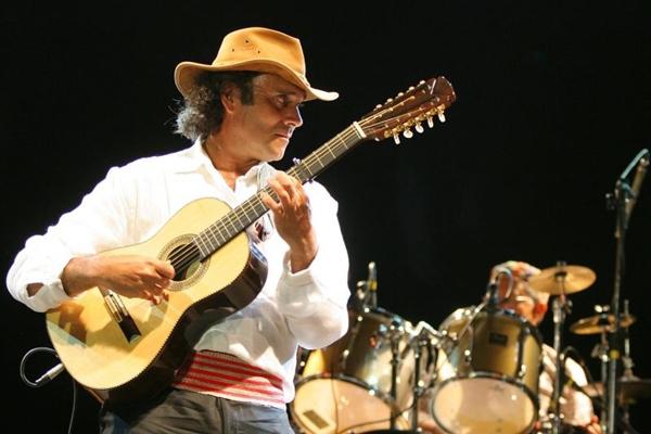 Almir Sater levará ao palco os clássicos 'Tocando em frente', 'Chalana' e 'Trem do pantanal'  (Eraldo Peres/Photo Agencia)