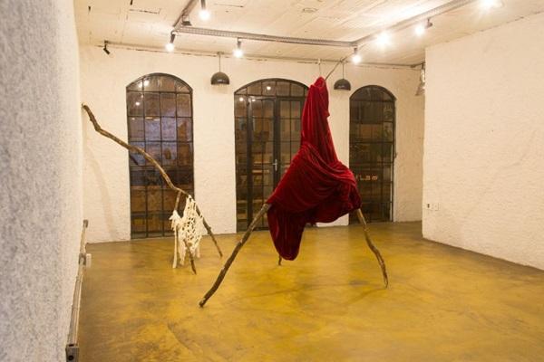 As peças de Isadora Almeida estão entre as que compõem Pélago (Matheus Lucena/Divulgacao)