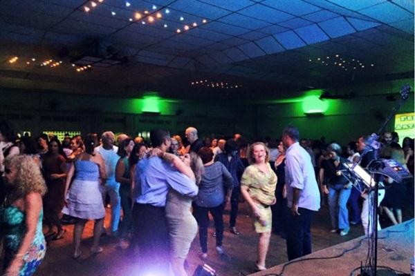 Seresta do Baile do Previ é realizada toda sexta-feira, com forró, música romântica e sucessos internacionais (Dani Lobo/Divulgação)