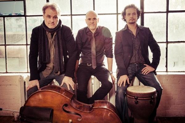 O grupo canadense Eric St-Laurent Trio se apresenta amanhã no Lago Sul (Kevin Leblanc/Divulgação)