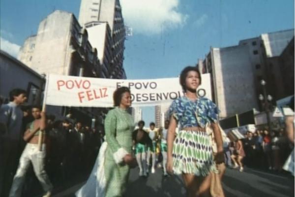 Cena do filme 'Histórias que nosso Cinema (não) contava', dirigido por Fernanda Pessoa. (Pessoa Produções/Divulgação)