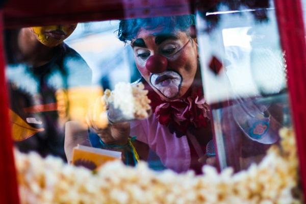 Seriado 'Palhaças do mundo' mostra histórias de palhaças do mundo todo e será exibido no festival, com direção da organizadora Manuela Castelo Branco (Davi Mello/Divulgação)