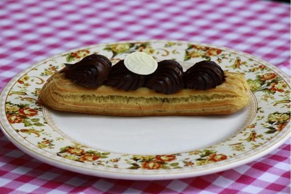 O éclair é um clássico da gastronomia francesa (Vinicius Cardoso Vieira/Esp.CB/D.A Press. )