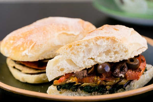 Os sanduíches são opções deliciosas para um lanche rápido (Felipe Menezes/Divulgação. )