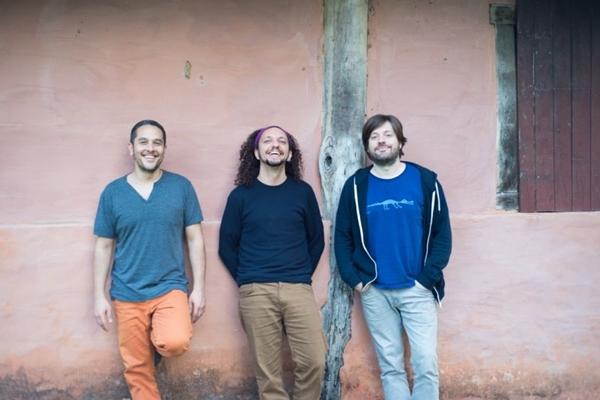 O disco 'Torcendo a terra' foi gravado em 2 dias,em um estúdio/ fazenda no interior de São Paulo (Divulgação/Daniel Tapia)