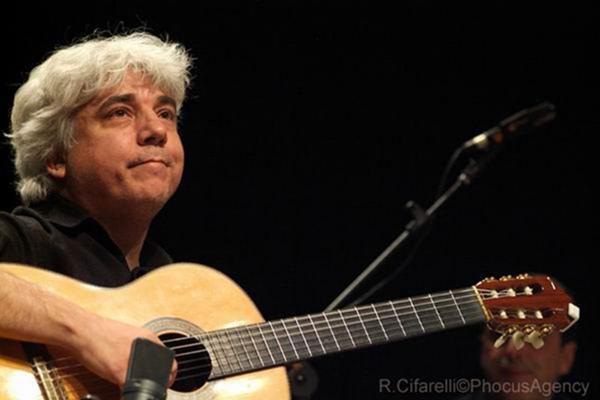 Lula Galvão lança o disco 'Alegria de viver' com show no Clube do Choro (Roberto Cifarelli/Divulgação)