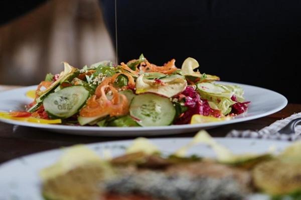 Salada de Grãos, do restaurante Bhumi Cozinha Orgânica e Saudável (Bruno Aguiar/Divulgação.)