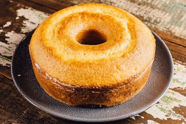 Simples e saboroso: o bolo de trigo é uma das opções da loja Bolos da Vovó  (Divulgação)