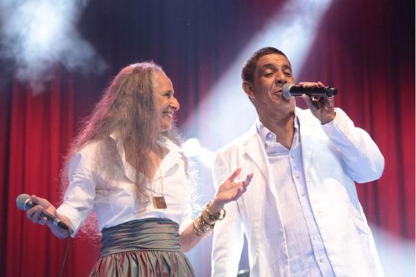 Maria Bethânia e Zeca Pagodinho se divertem no palco  (Luiz Fabiano/Divulgação)