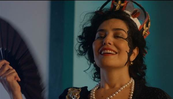 Letícia Sabatella vive Jacinta, mãe de Cora Coralina, em 'O colar de Coralina'  (Reprodução/Internet)