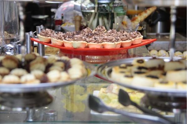 A confeitaria suíça Praliné oferece diversas iguarias no café da manhã e no chá da tarde (Ana Rayssa/Esp. CB/D.A Press)
