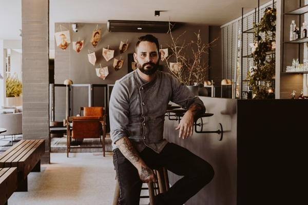André Amorim diz que até a escolha da louça deve ser levada em conta (Charles Vieira/Unt. Studio/Divulgação)