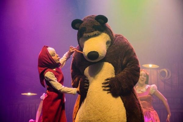 O diretor Maycon Fontoura procurou ser o mais fiel ao desenho no espetáculo Masha e o urso (Arquivo Pessoal/Divulgação)