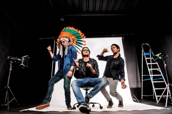 O trio de DJs brasileiros Make U Sweat comanda a festa #PutaFarra (Rafael Nicolau/Divulgação. )