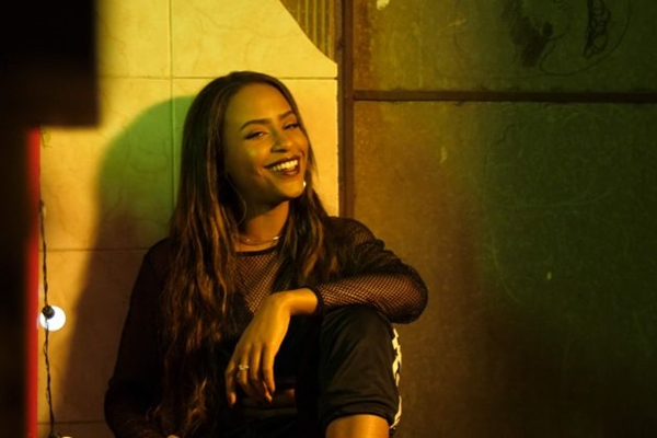 A cantora brasiliense de R&B Talíz se apresenta na Victoria Haus (Arquivo Pessoal )