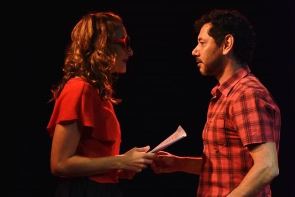 Atores Juliana Drummond e Abaetê Queiroz são os responsáveis pela Oficina Circo Íntimo  (Divulgação/Mari Mattos)