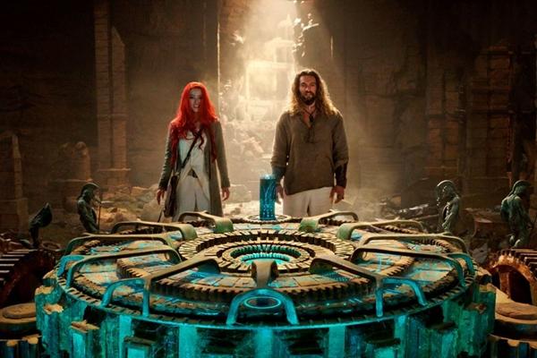 Eclético, 'Aquaman' tem momentos de 'Mamma Mia!', 'Avatar' e 'A órfã' (Reprodução/Internet)
