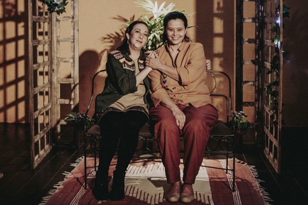 Peça aborda relações familiares entre três mulheres (Divulgação/Diego Bresani)
