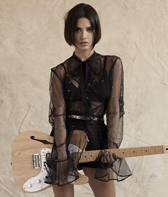 Cantora de 25 anos faz sucesso entre o público adolescente (Manu Gavassi/Divulgação)
