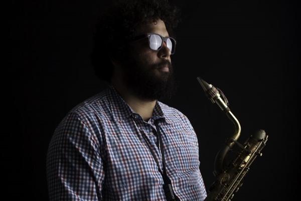 Saxofonista brasiliense Esdras Nogueira cantará os sucessos do álbum 'Transa', de Caetano Veloso (Célio Maciel/Divulgação)