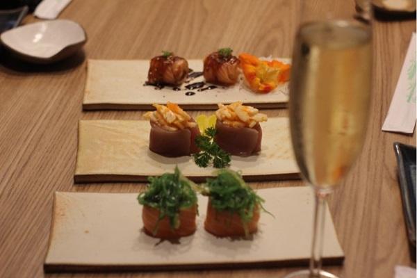 As duplas de sushis funcionam bem harmonizadas com espumantes (Barbara Cabral/Esp. CB/D.A Press)