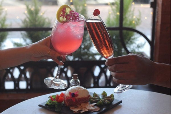 A burrata é um bom casamento com os drinques com espumante (Barbara Cabral/Esp. CB/D.A Press)