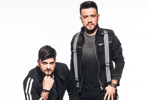 Os sertanejos Diego & Victor Hugo apresentarão 14 faixas inéditas na apresentação (Fernando Hiro/Divulgação)