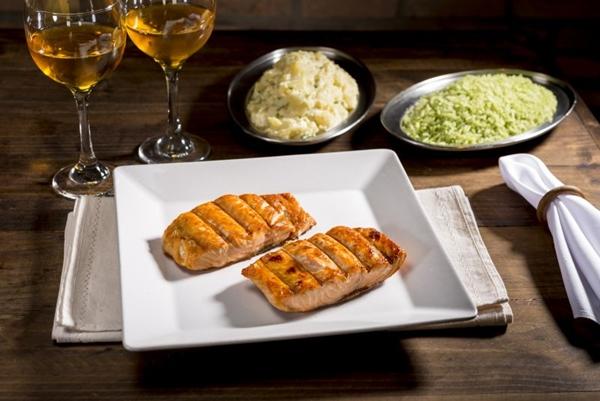 O filé de salmão servido na Serra Gaúcha é uma opção mais nutritiva (Henrique Ferreira/Divulgação)