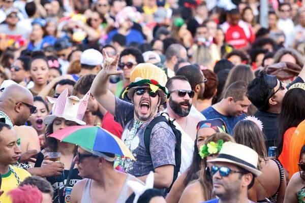 Bloco Eduardo e Mônica vai para mais um desfile no carnaval brasiliense (Wallace Martins/Esp. CB/D.A Press)