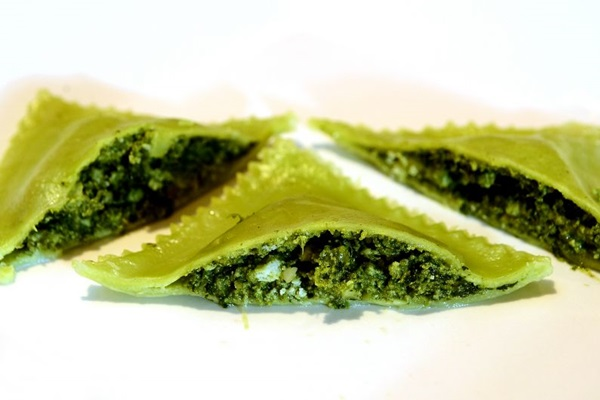 Entre vários pratos, o ravióli de espinafre com ricota e nozes, da Pissani, se destaca (Marcelo Ferreira/CB/D.A Press)