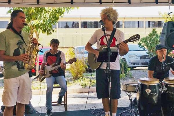 Músicas infantis compostas por nomes como Chico Buarque e Raul Seixas estabelecem conexão entre pais e filhos (Arquivo Pessoal/Divulgação)