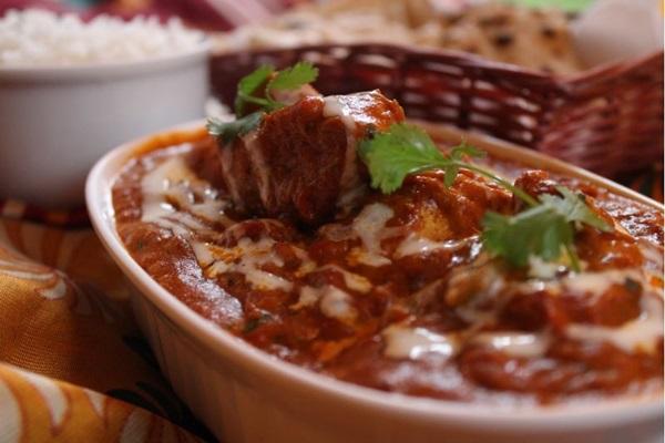 A dupla de sócios de Punjab, que fica no noroeste da Índia, aposta em receitas clássicas, como o chicken tikka masala (Marilia Lima/Esp. CB/D.A Press)