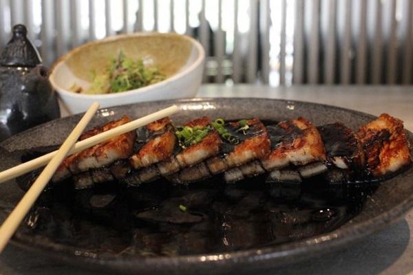A braised pork belly é um exemplo de receita quente tradicional japonesa (Vinicius Cardoso Vieira/CB/D.A Press)